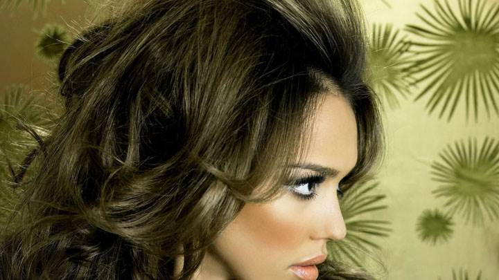 Jessica Alba Side Face Closeup