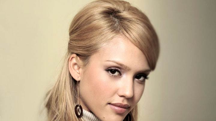 Jessica Alba Sad Face And White Background