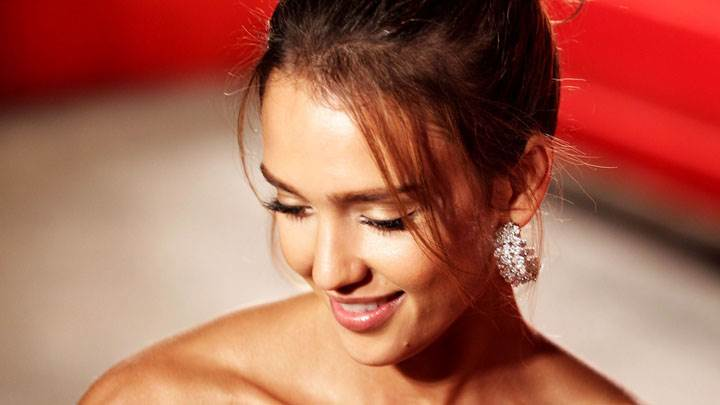 Jessica Alba Smiling Cute Face Closeup