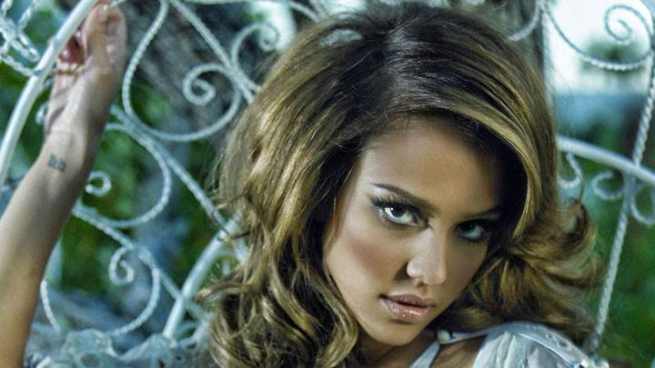 Jessica Alba Wet Lips Face Photoshoot In White Dress