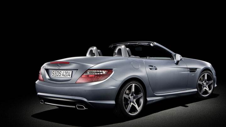 Mercedes-Benz SLK 350 Side Back Pose