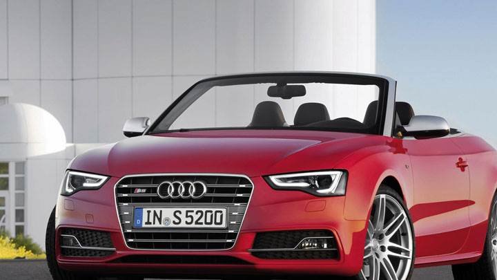 Red Color 2012 Audi S5 Cabriolet Front View