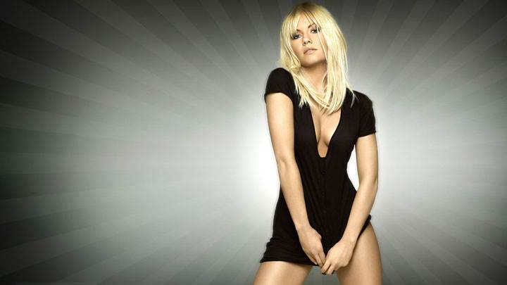 Front Pose Of Elisha Cuthbert In Black Dress