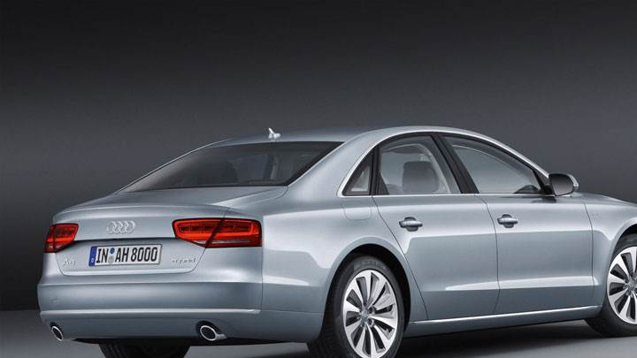 Side Back Pose of 2012 Audi A8 Hybrid