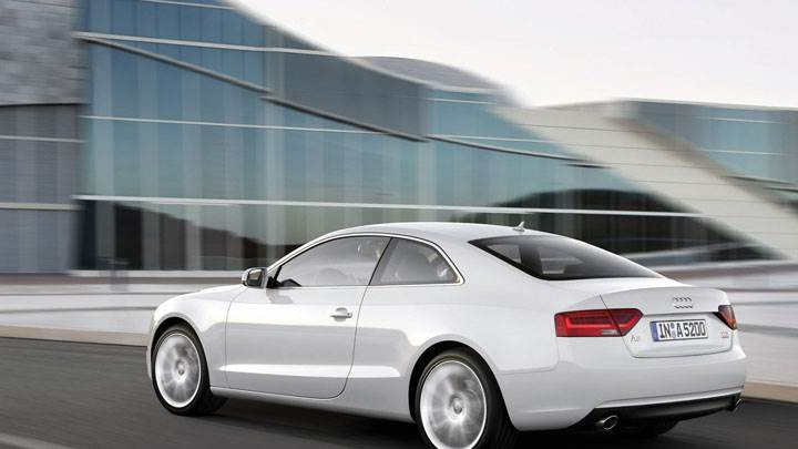 Side Pose Of 2012 Audi A5 Coupe Wallpaper