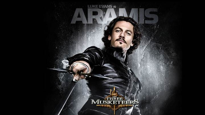 The Three Musketeers – Luke Evans Sword In Hand