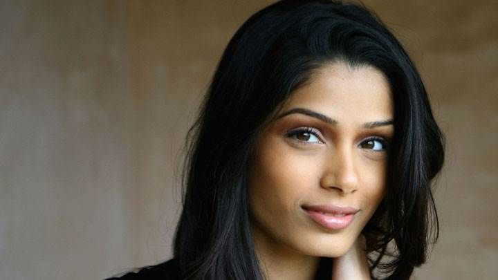 Woww Looking Pose Of Freida Pinto