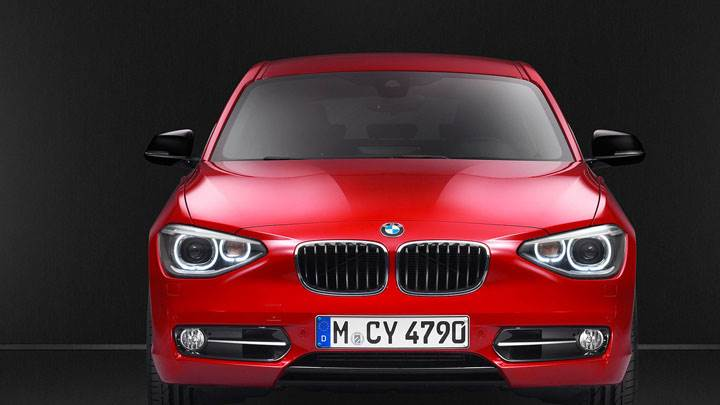 2012 BMW 1-Series 11Bi in Red Front Pose