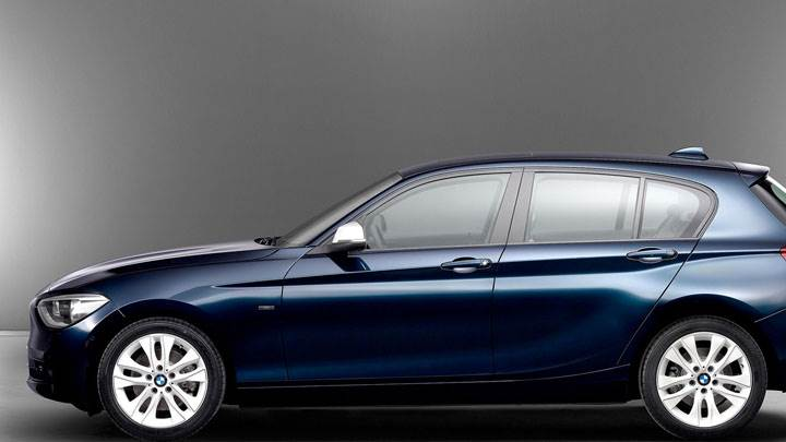 2012 BMW 1-Series in Blue Side Pose