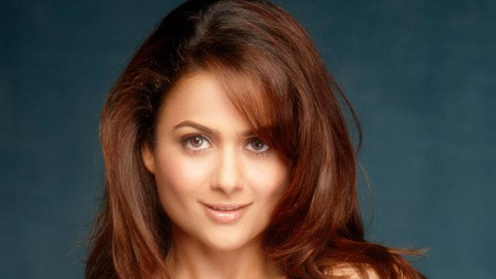 Amrita Arora Smiling Face And Cute Eyes