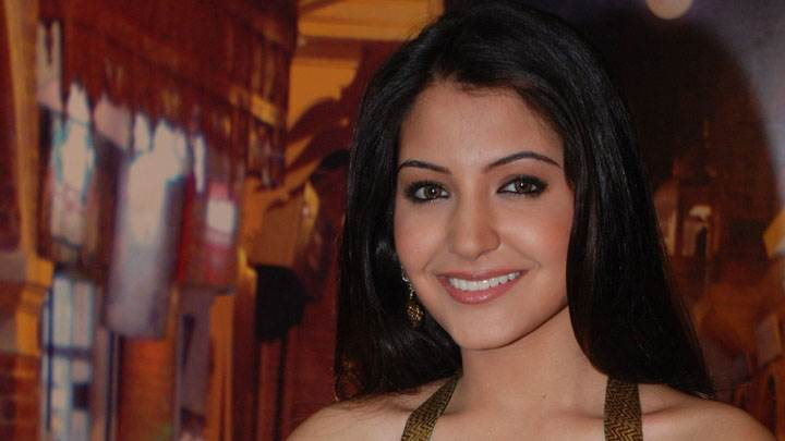 Anushka Sharma Smiling Wet Lips And Cute Eyes Face Closeup