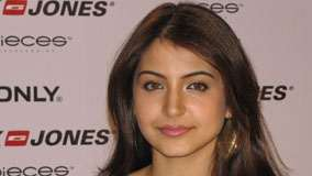 Anushka Sharma Smiling Wet Lips Face Closeup In Event