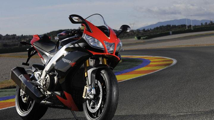 Aprilia RSV4 in Red on Road Front Pose