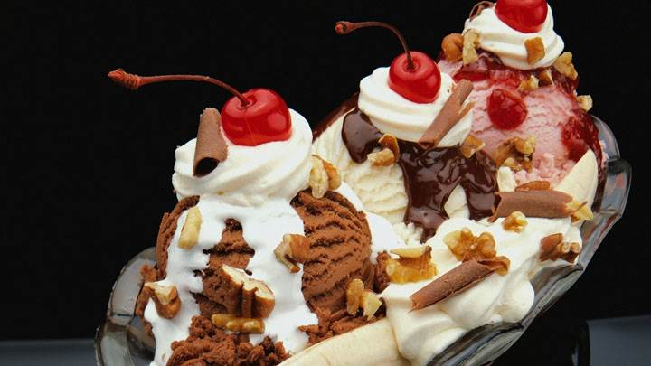 Banana Split And Chocolate Cake in Bowl