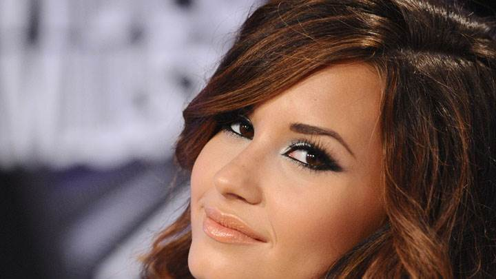 Cute Smiling Face Closeup Of Demi Lovato