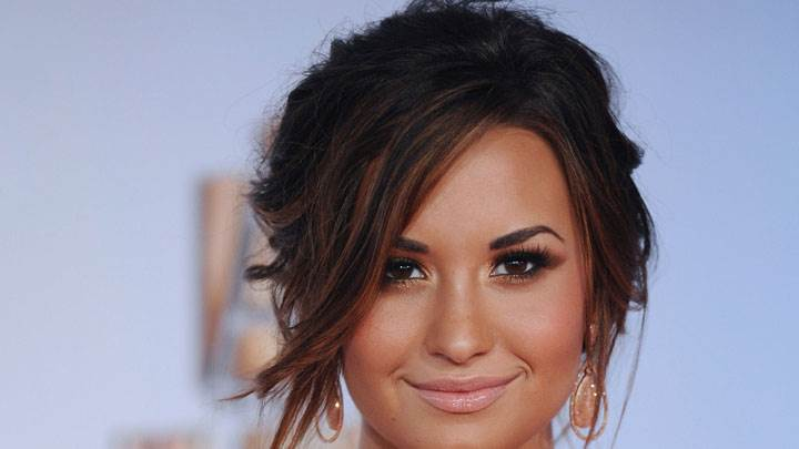 Demi Lovato Looking Front Similing Face Closeup