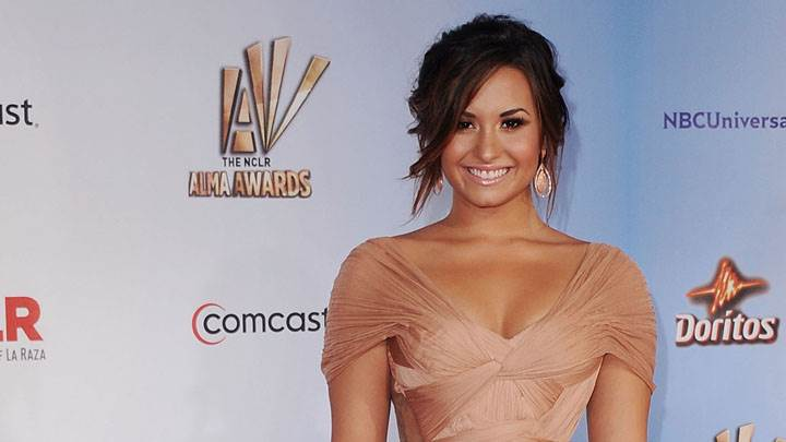 Demi Lovato Smiling Face In Alma Awards