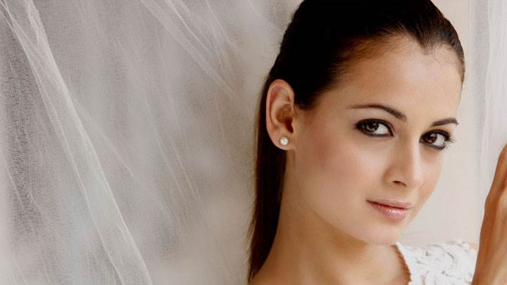 Dia Mirza Cute Eyes And Wet Lips Looking Front