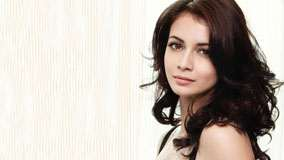 Dia Mirza Cute Face And Side Pose