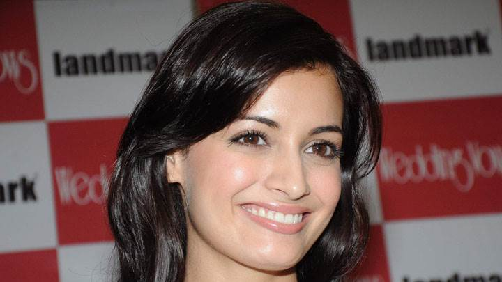 Dia Mirza Smiling Face Closeup In Landmark Event