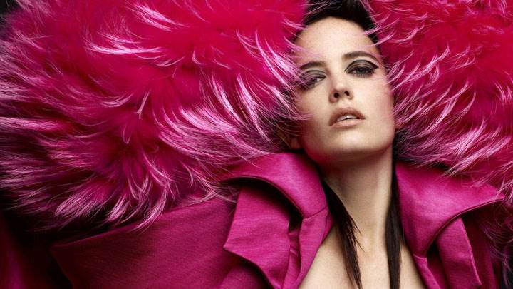 Eva Green Hot Looking In Pink Furr Dress