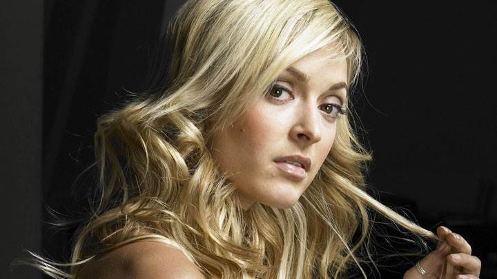 Fearne Cotton Golden Hairs Side Face Photoshoot