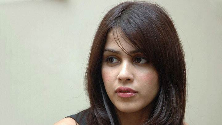 Genelia D'souza Looking Side Cute Face Closeup