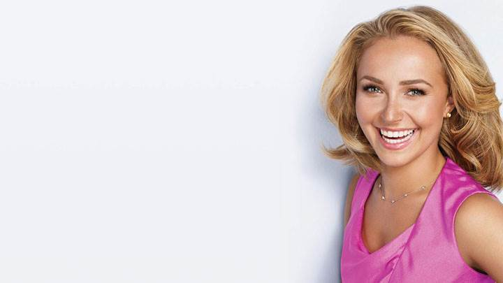Hayden Panettiere Laughing In Pink Dress And Golden Hairs
