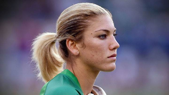 Hope Solo Side Face In Green Sports Dress