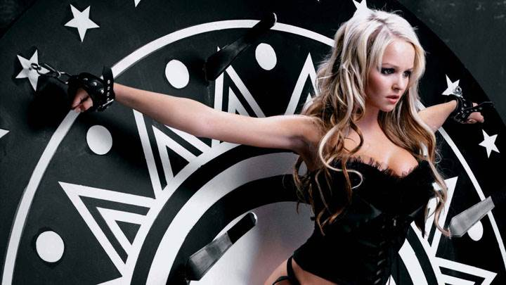 Jennifer Ellison Clutched Hand In Black Dress