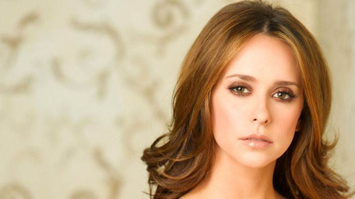 Jennifer Love Hewitt Cute Eyes And Wet Lips