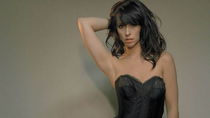 Jennifer Love Hewitt Hot Looking In Black Dress