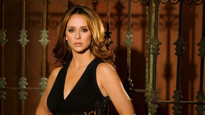 Jennifer Love Hewitt In Black Dress Modeling Pose