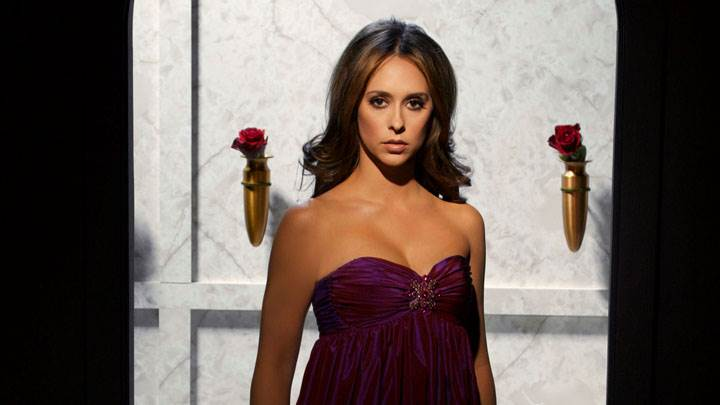 Jennifer Love Hewitt In Purple Dress Front Photoshoot