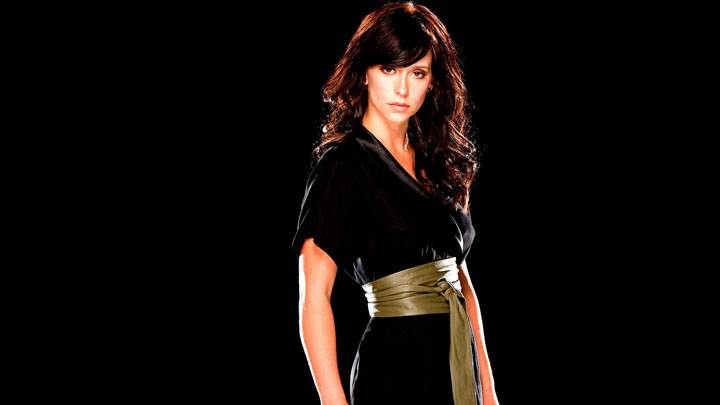 Jennifer Love Hewitt Modeling Pose Black Dress And Background
