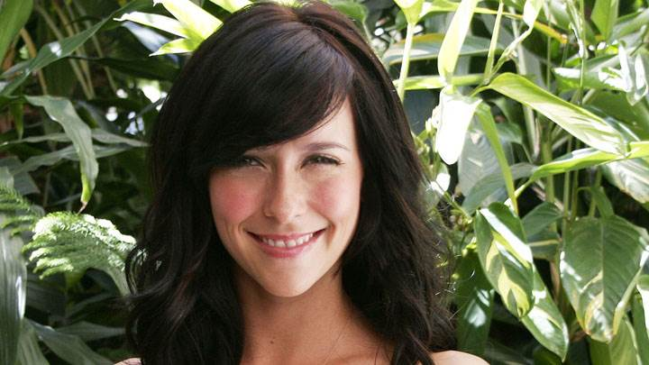 Jennifer Love Hewitt Smiling And Pink Lips