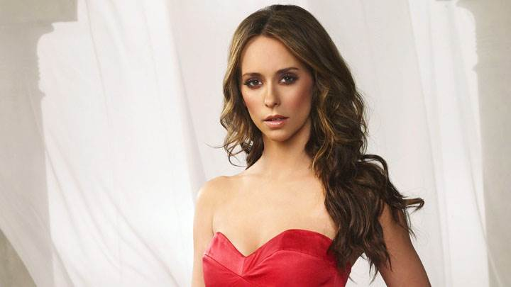 Jennifer Love Hewitt Wet Lips In Red Dress