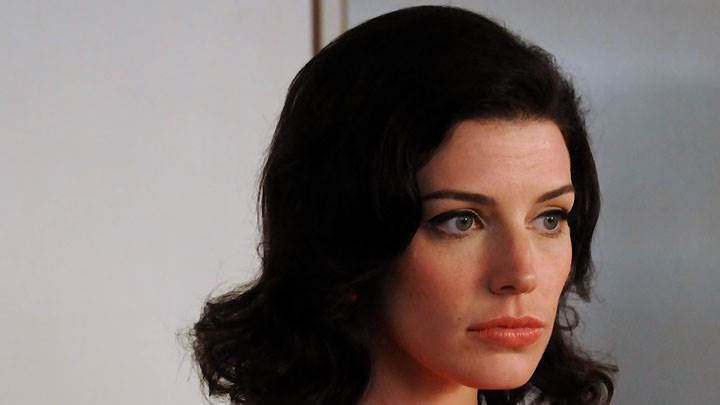 Jessica Pare Red Lips And Cute Eyes Face Closeup