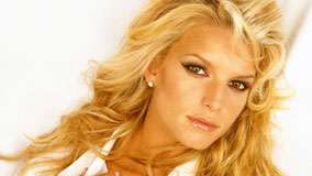 Jessica Simpson Wet Lips And Cute Eyes Face Closeup