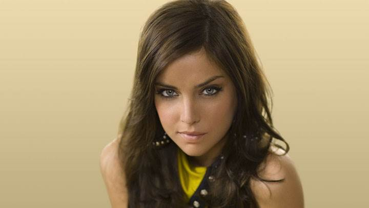 Jessica Stroup Cute Eyes And Sitting Pose In Yellow Dress