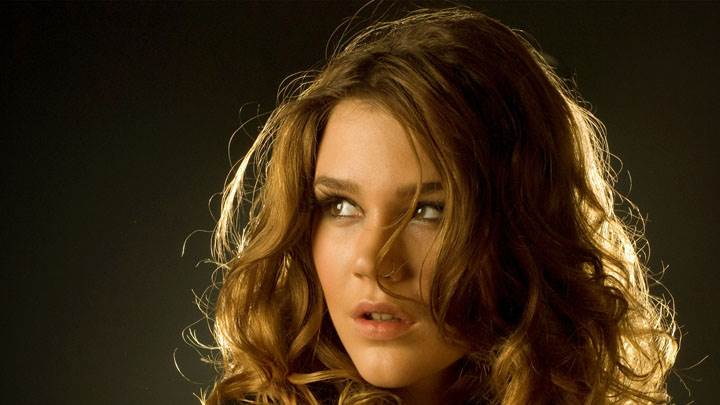 Joss Stone Looking Side Cute Face Closeup