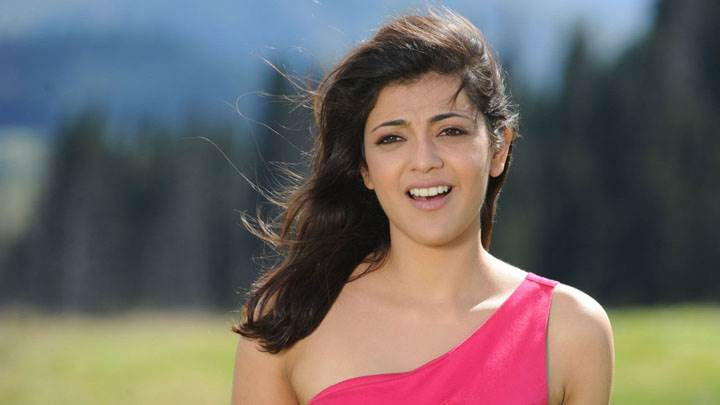 Kajal Aggarwal Open Mouth And Cute Eyes In Pink Dress