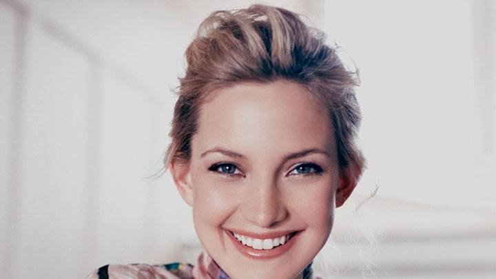 Kate Hudson Blue Eyes Sweet Smiling Face Closeup