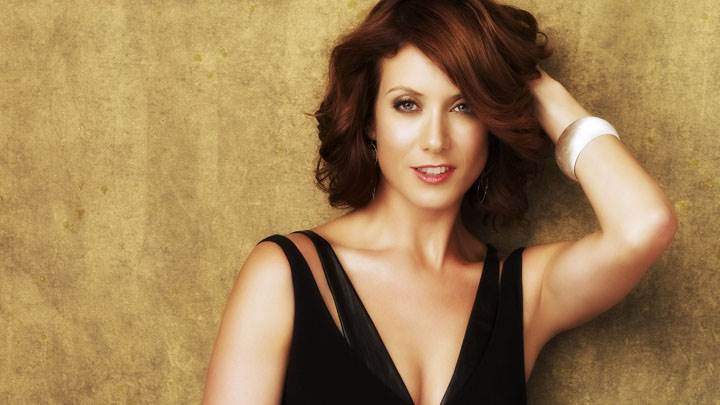 Kate Walsh Smiling Red Lips In Black Dress And Cute Eyes