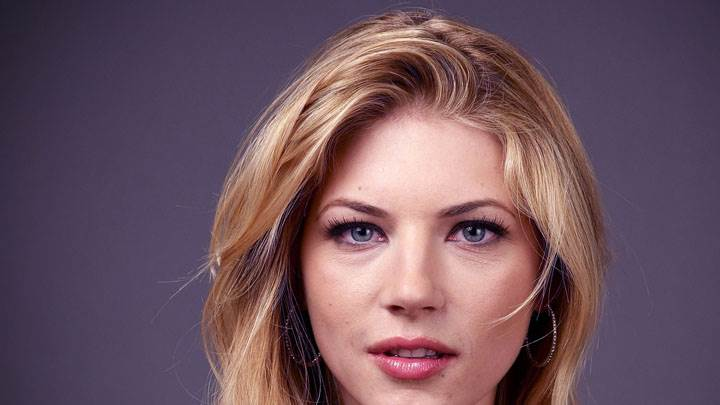 Katheryn Winnick Smiling Cute Eyes Face Closeup