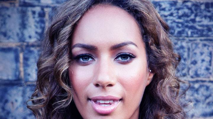 Leona Lewis Looking Front Smiling Face Closeup