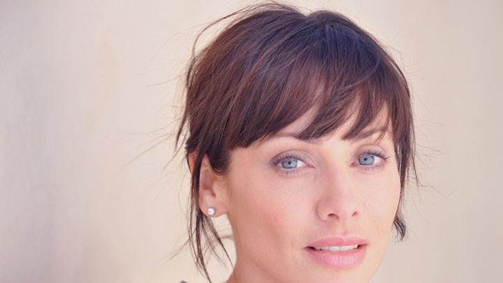 Natalie Imbruglia Blue Eyes And Wet Lips Face Closeup
