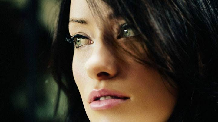 Olivia Wilde Pink Lips Side Face Closeup