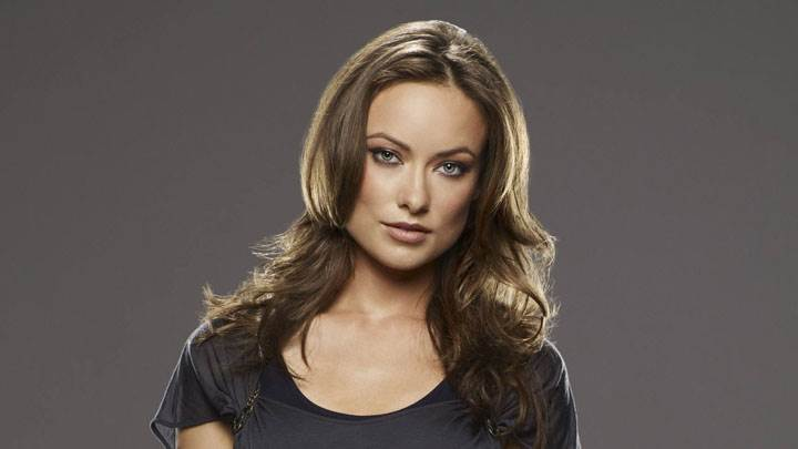 Olivia Wilde Sweet Smiling Face In Black Top