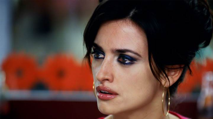 Penelope Cruz Brown Lips Looking Side And Side Face Closeup